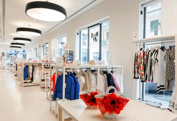 8d8874ffaaa5 I migliori negozi per bambini Milano - Milano Life   Ladies black ...