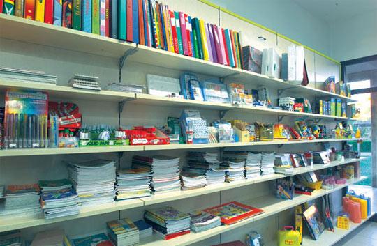 Aprire una cartoleria conviene for Arredamento per cartoleria