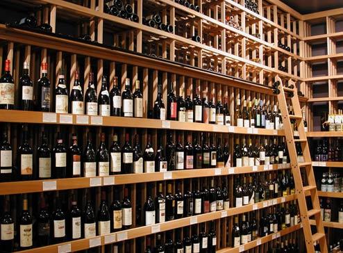Come aprire una enoteca requisiti iter e costi for Arredamento enoteca wine bar