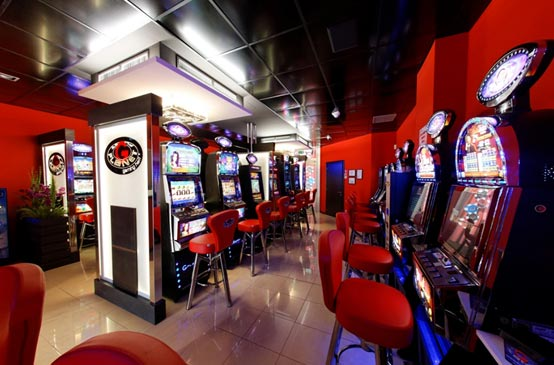 Come aprire un locale con slot machine