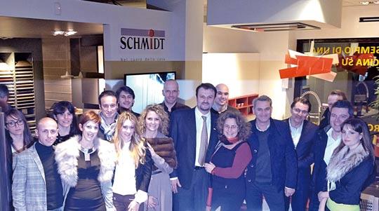 Cucine schmidt grande successo per l inaugurazione del for Cucine schmidt