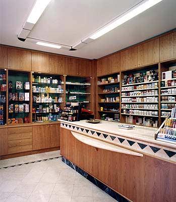 Tabaccheria come aprire una tabaccheria o acquistarne una for Arredo tabaccheria